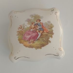 Fragonard Courting Couple Ceramic Jewellery box